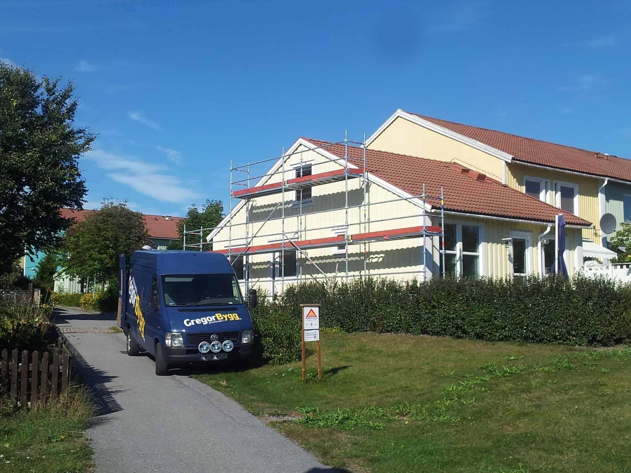 """Referensjobb """"Fasadrenovering Kista"""" utfört av Gregor Entreprenad i Åkersberga AB"""