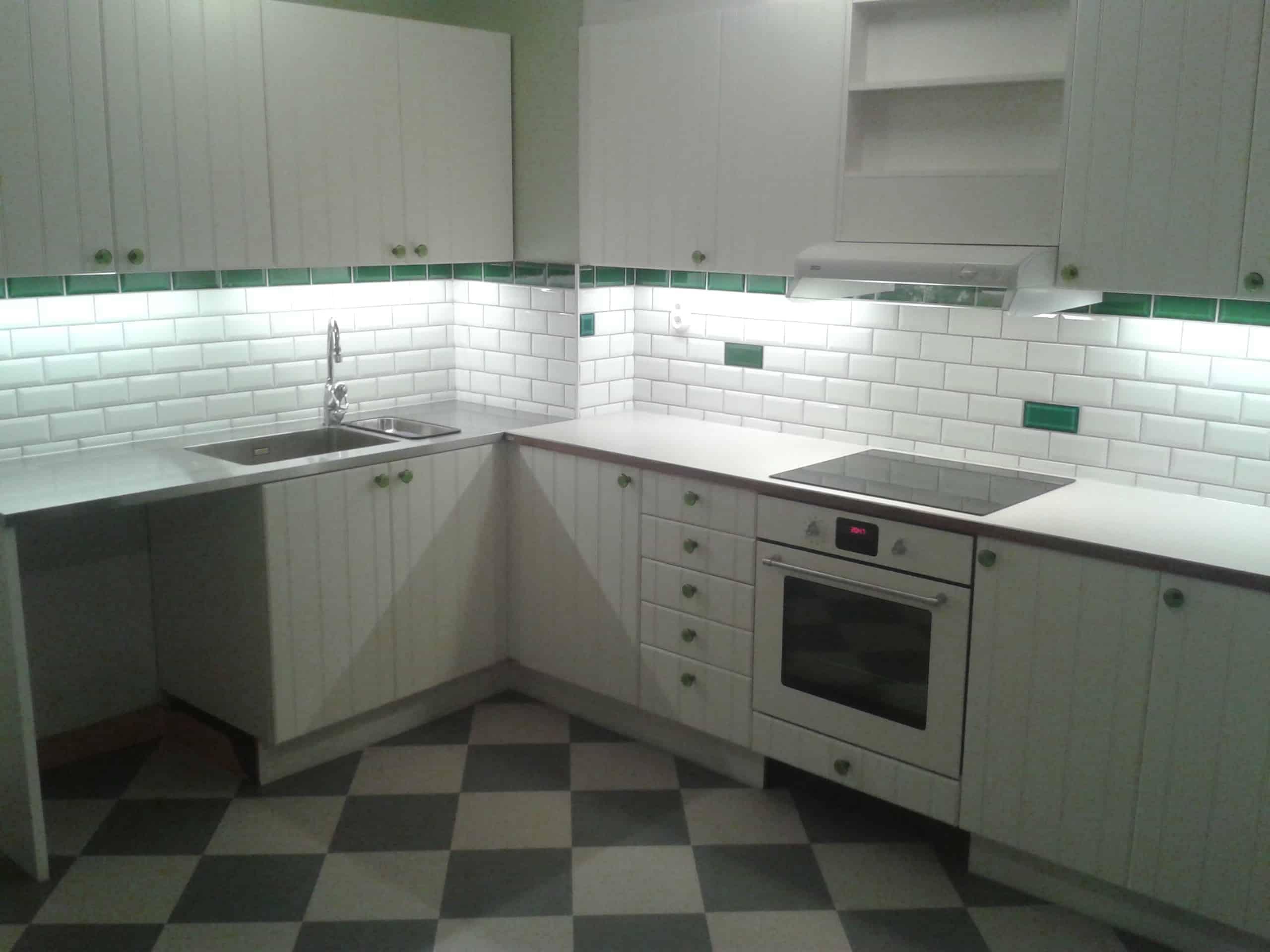 """Referensjobb """"golv i köket"""" utfört av Oshin Bygg"""