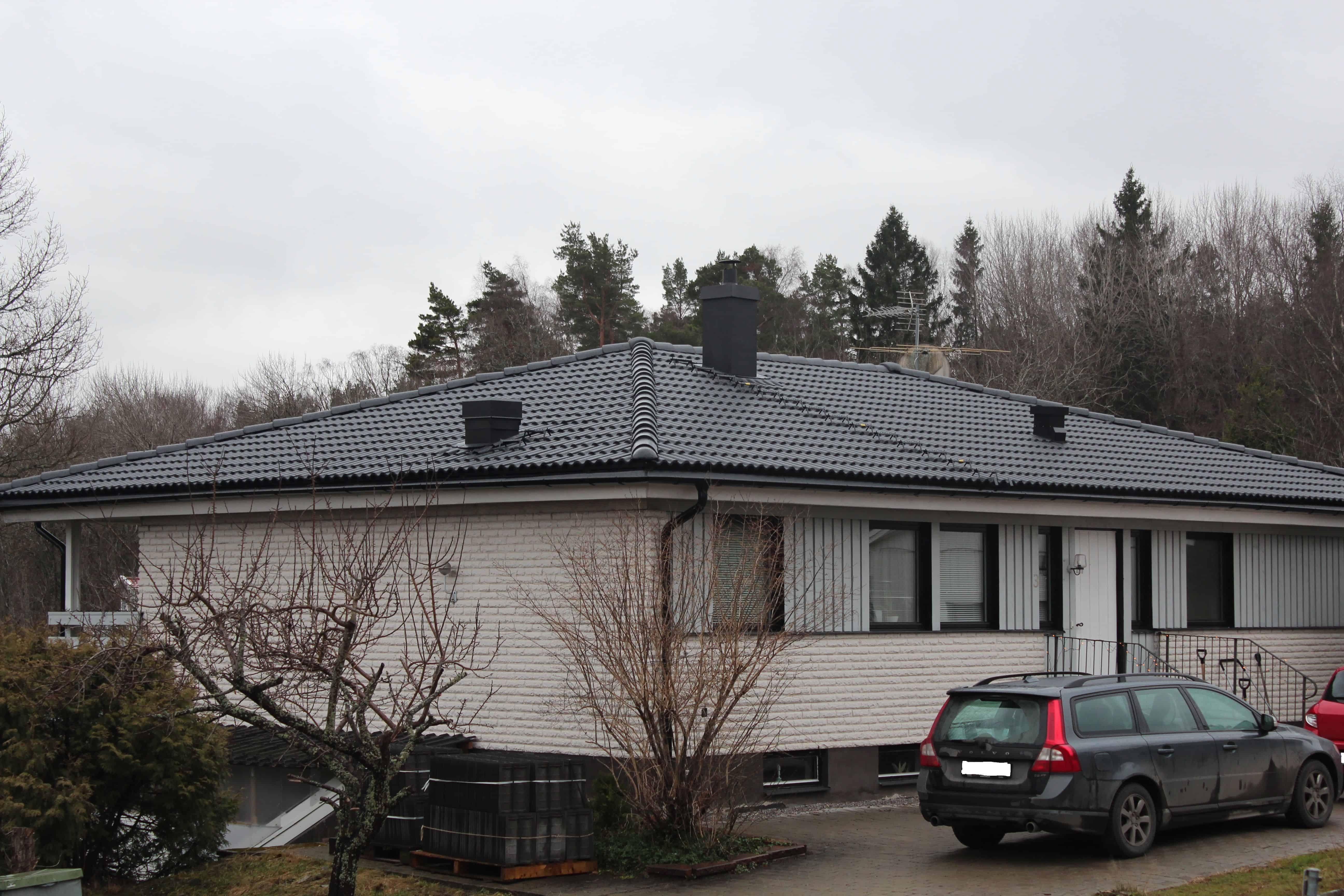 """Referensjobb """"Björnkärrsvägen 3, Täby"""" utfört av Takrenoverarna i Stockholm AB"""