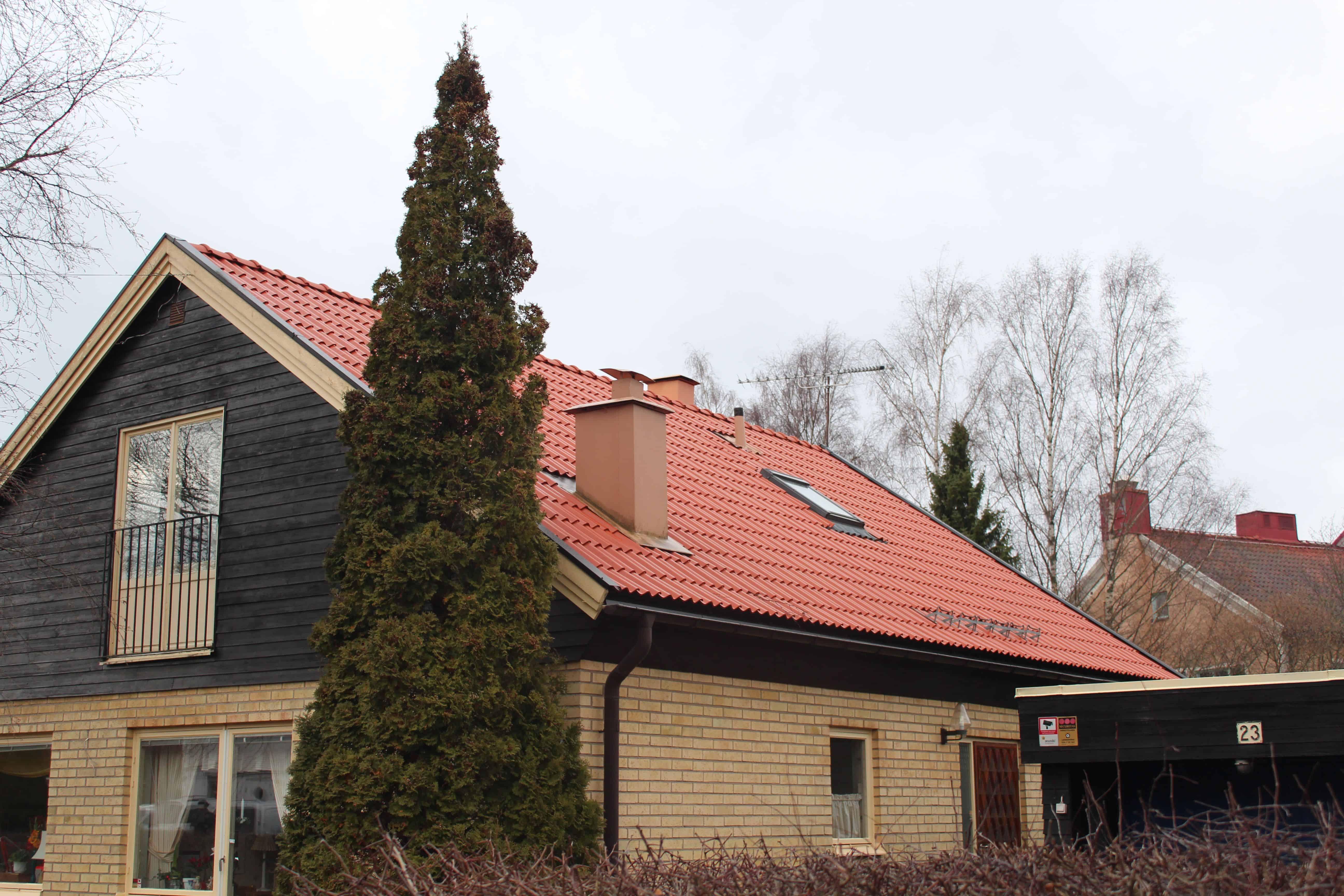"""Referensjobb """"Gästisvägen 23, Täby"""" utfört av Takrenoverarna i Stockholm AB"""