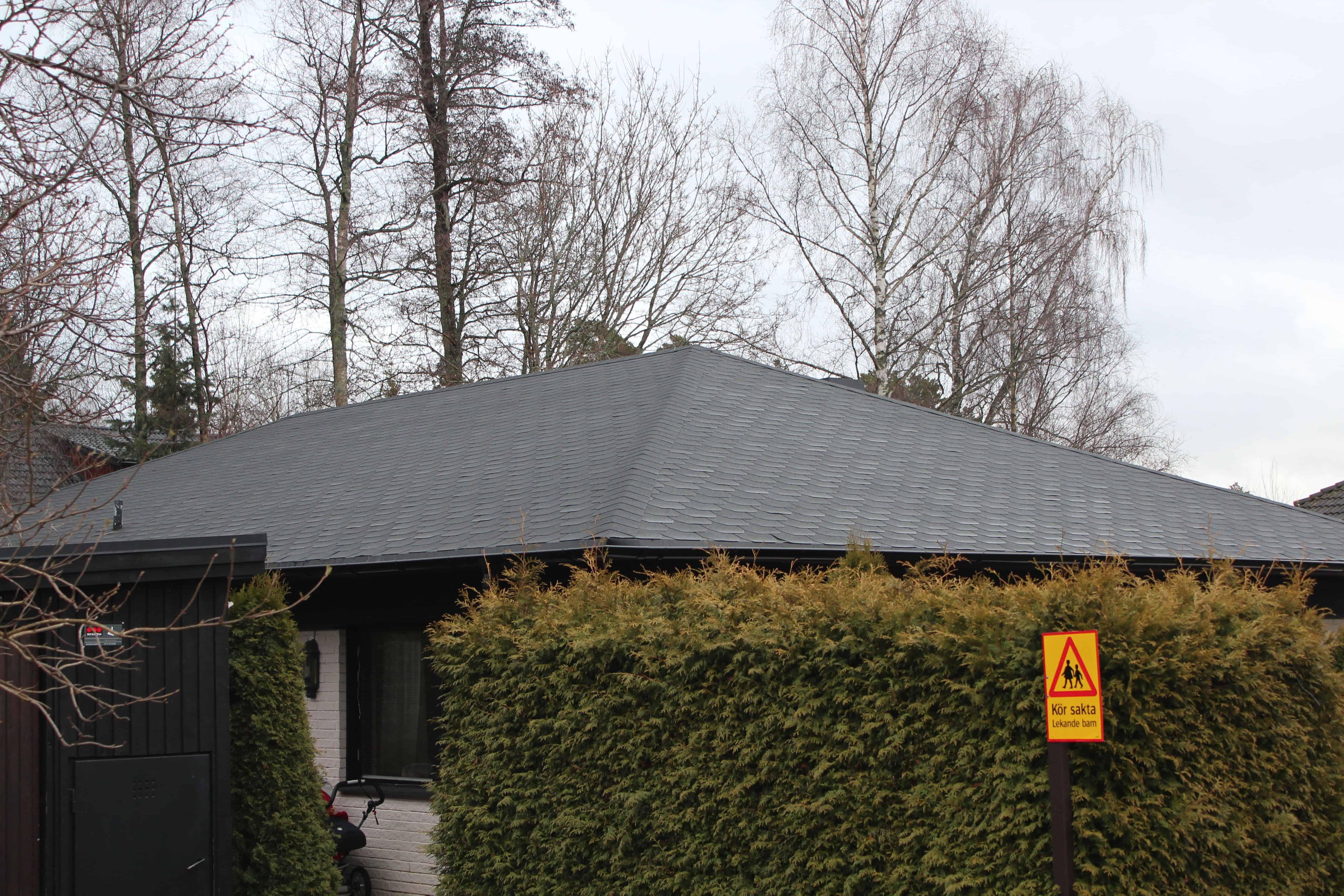 """Referensjobb """"Runborgsvägen 18, Täby"""" utfört av Takrenoverarna i Stockholm AB"""