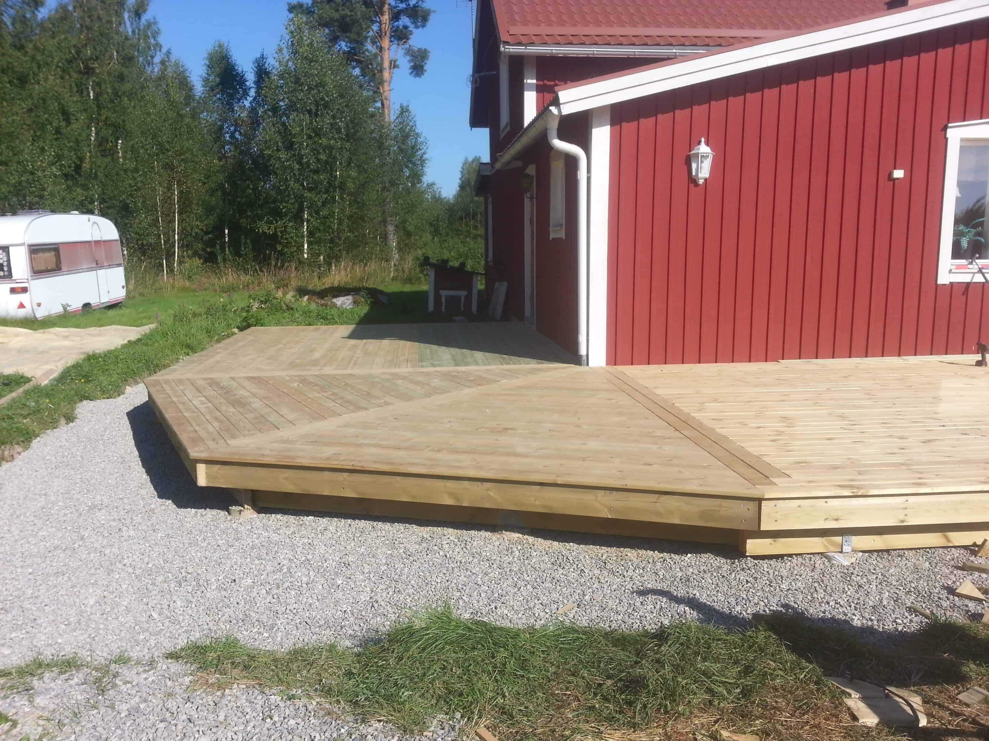 """Referensjobb """"Trädäck"""" utfört av Kedar Byggrenoveringar AB"""