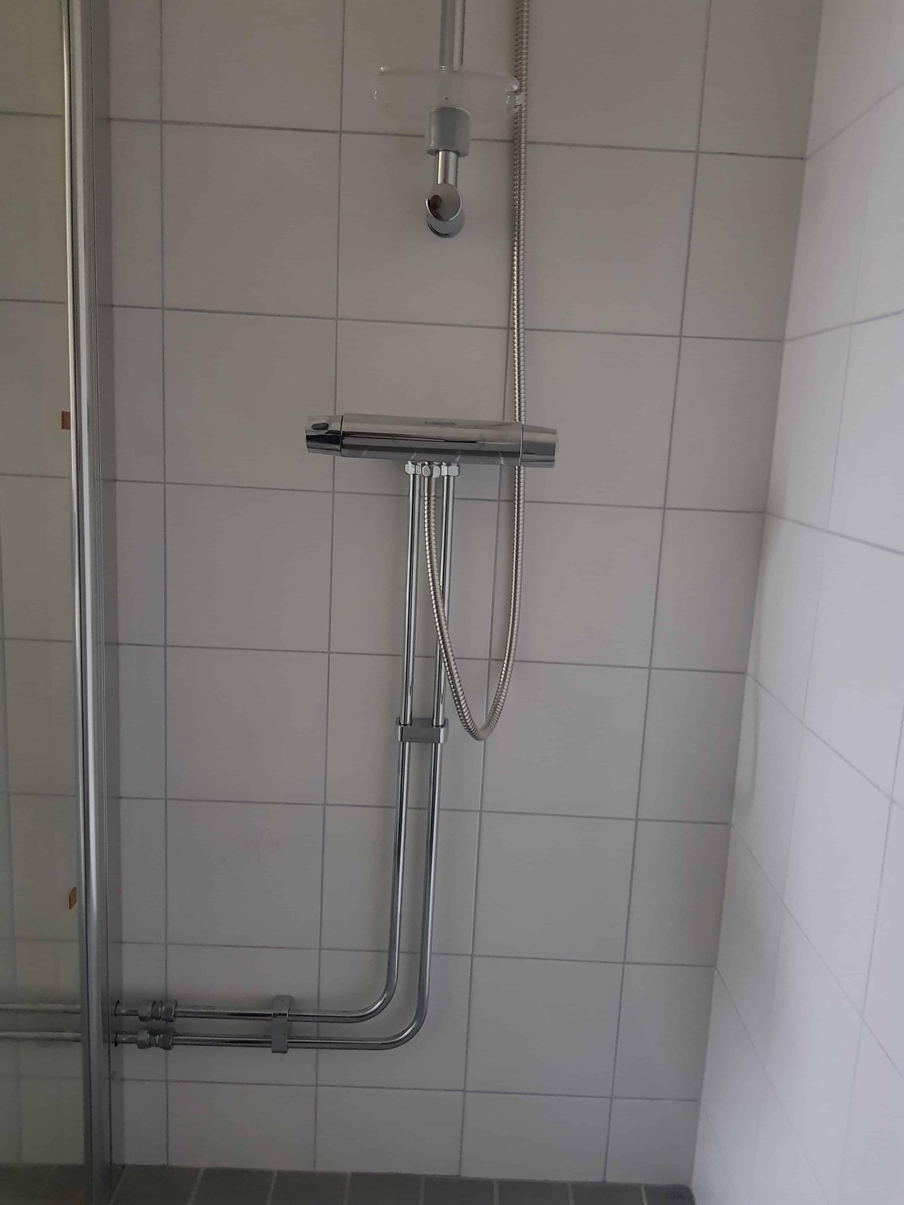 """Referensjobb """"Rördragning i badrum åt privatperson """" utfört av HOLMIA VVS AB"""