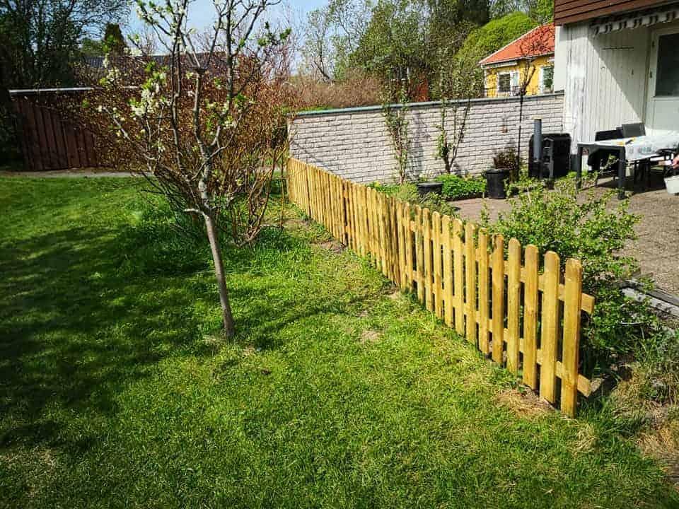 """Referensjobb """"Byggt staket till kund,"""" utfört av Sundsvalls Allfix"""