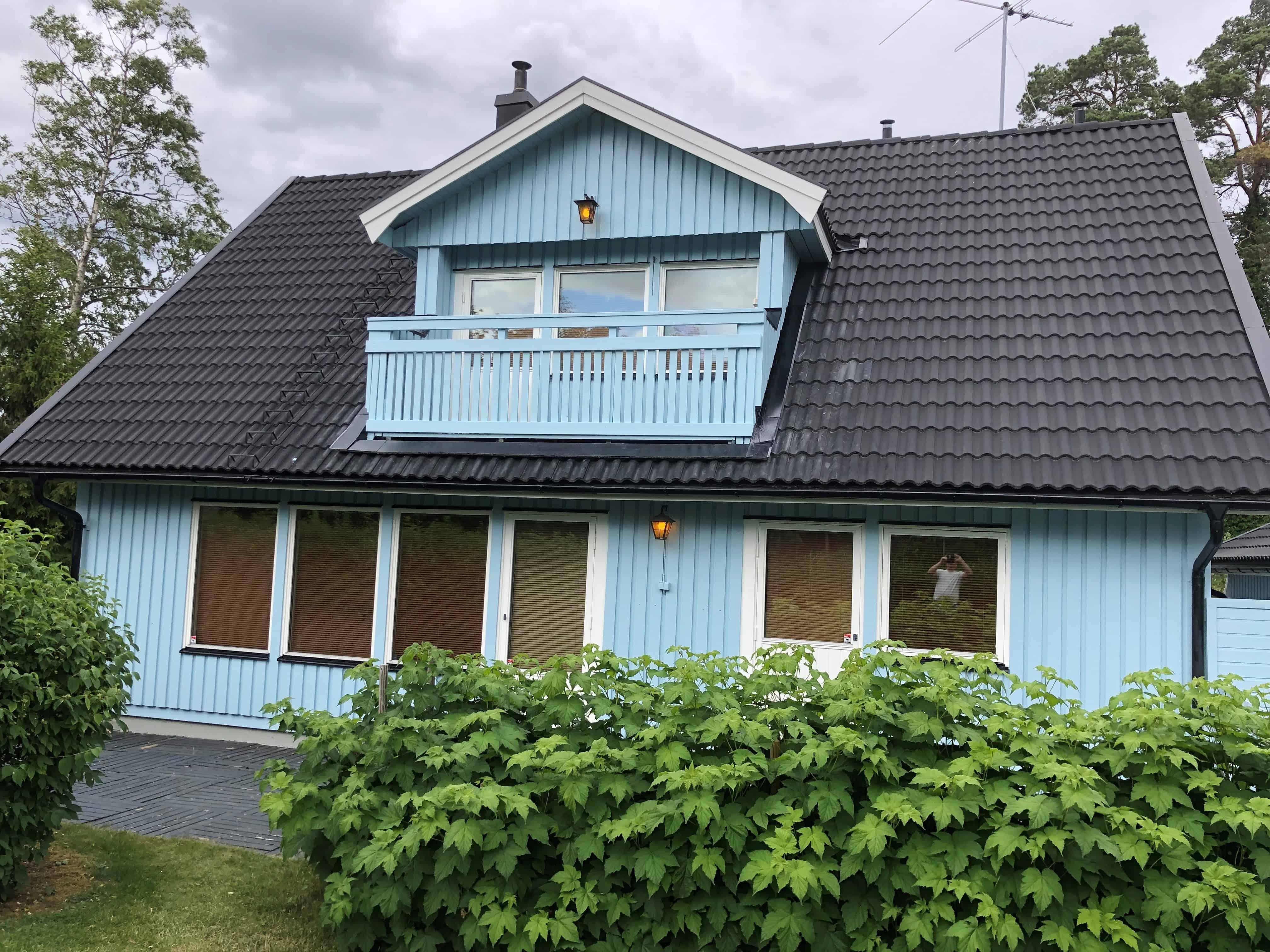 """Referensjobb """"Fasadmålning i Tyresö"""" utfört av S.Bergström Måleri AB"""