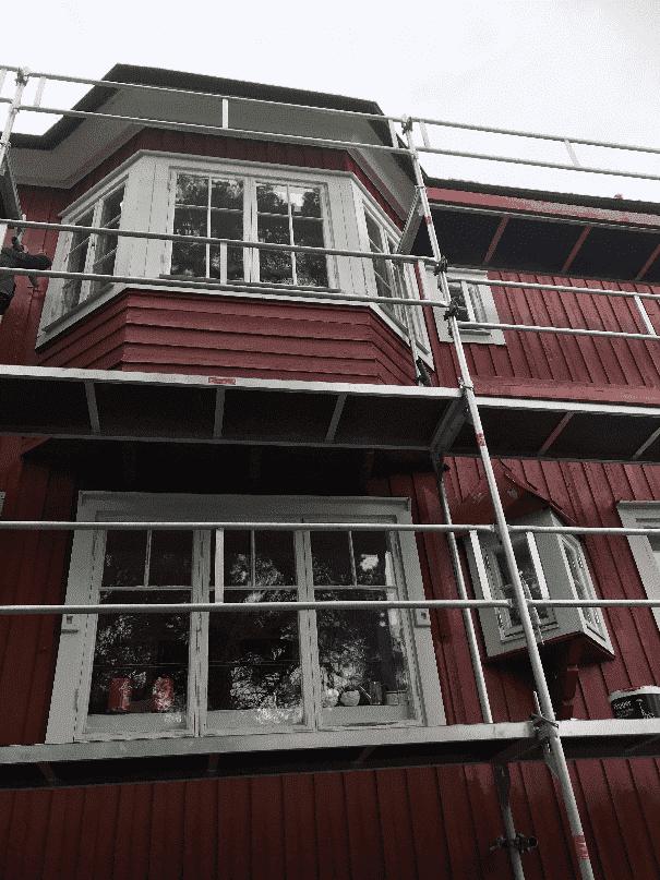 """Referensjobb """"Fasadmålning ink fönster."""" utfört av Bygg och Renovering med Daniel"""