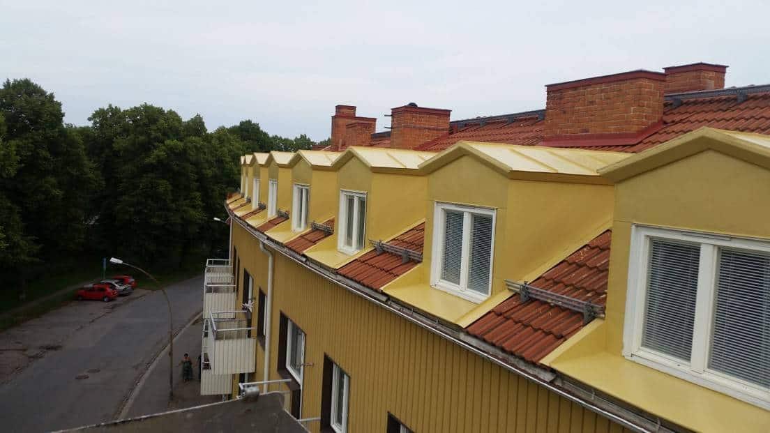 """Referensjobb """"Målning av takkupor Eskilstuna ,privat fastighet"""" utfört av Jumo Alltjänst AB"""