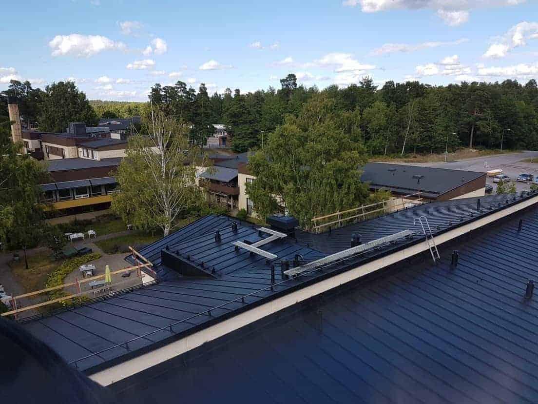 """Referensjobb """"Målning av  tak på ålderdomshemmet i Finspång"""" utfört av Jumo Alltjänst AB"""