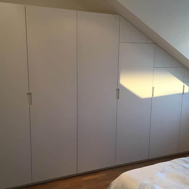 """Referensjobb """"Garderob."""" utfört av Träum möbel och inredningssnickeri i Stockholm AB"""