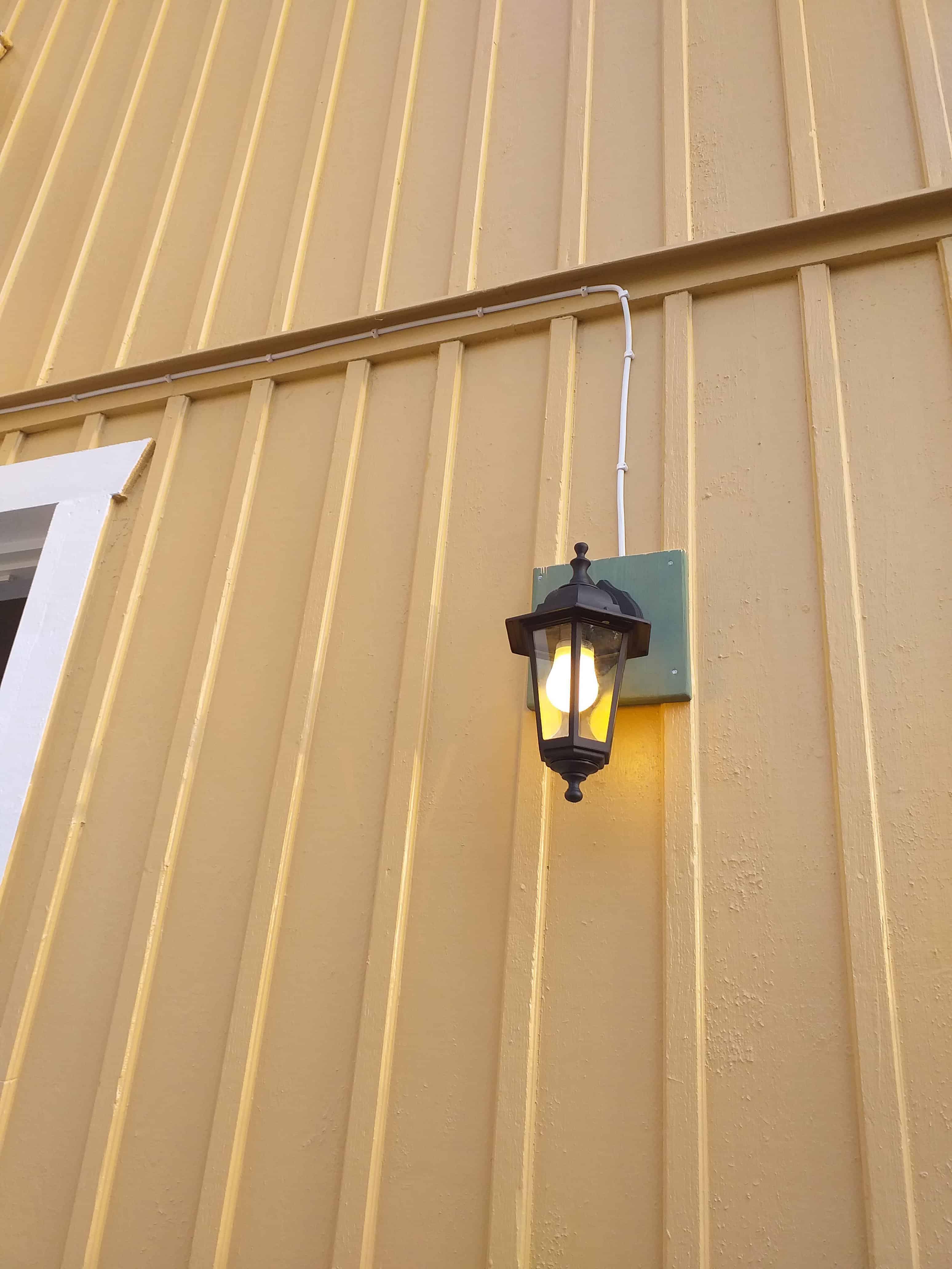 """Referensjobb """"Utomhuslampa"""" utfört av Johannes Elinstallation"""