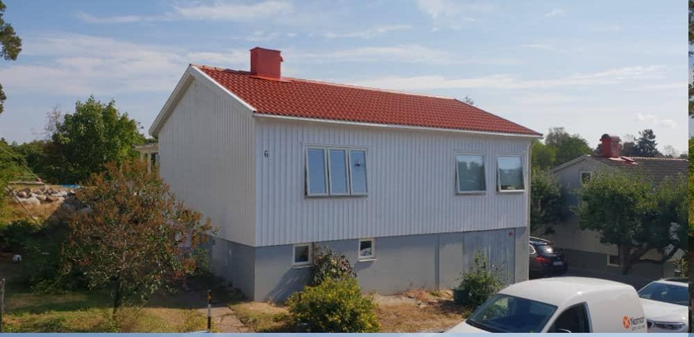 """Referensjobb """"Byta tak samt måla fasad i Bromma"""" utfört av West Trade Corporation Stockholm AB"""