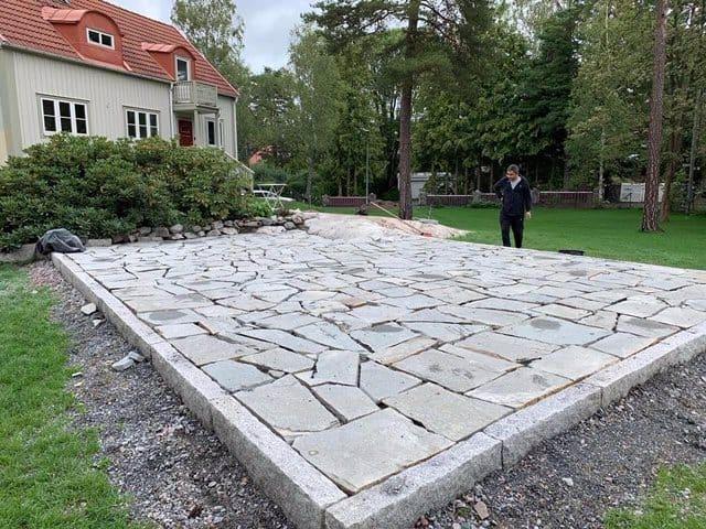 """Referensjobb """"Stenläggning för terrass"""" utfört av SIMARM"""