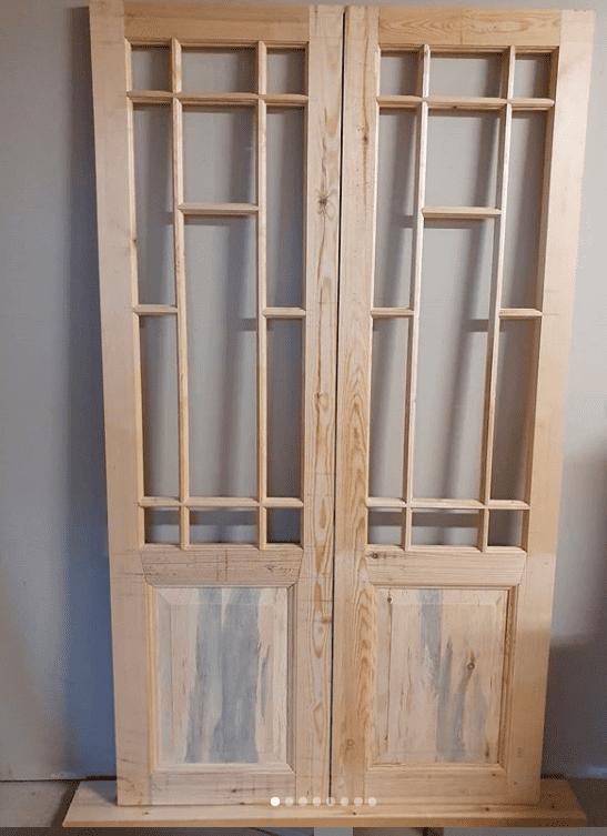 """Referensjobb """"Äldre dörr med spröjsade fönster"""" utfört av Adams Snickeri AB"""