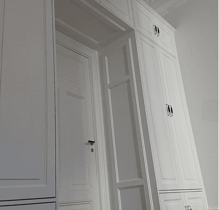 """Referensjobb """"Platsbyggd garderob/förvaring"""" utfört av Fredrik Burland enskild firma"""