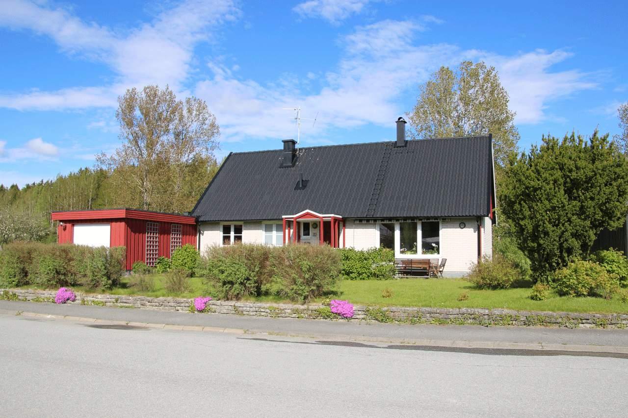 """Referensjobb """"Nytt tak i Lillån"""" utfört av Villa Husrenovering i Sverige AB"""