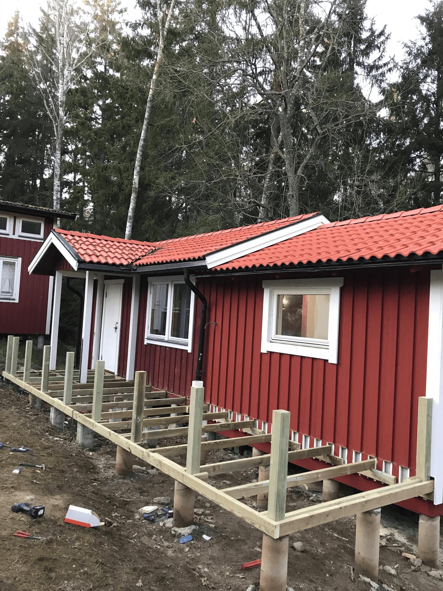 """Referensjobb """"Tillbyggnad med altan"""" utfört av RKS Mark & Trädgård AB"""