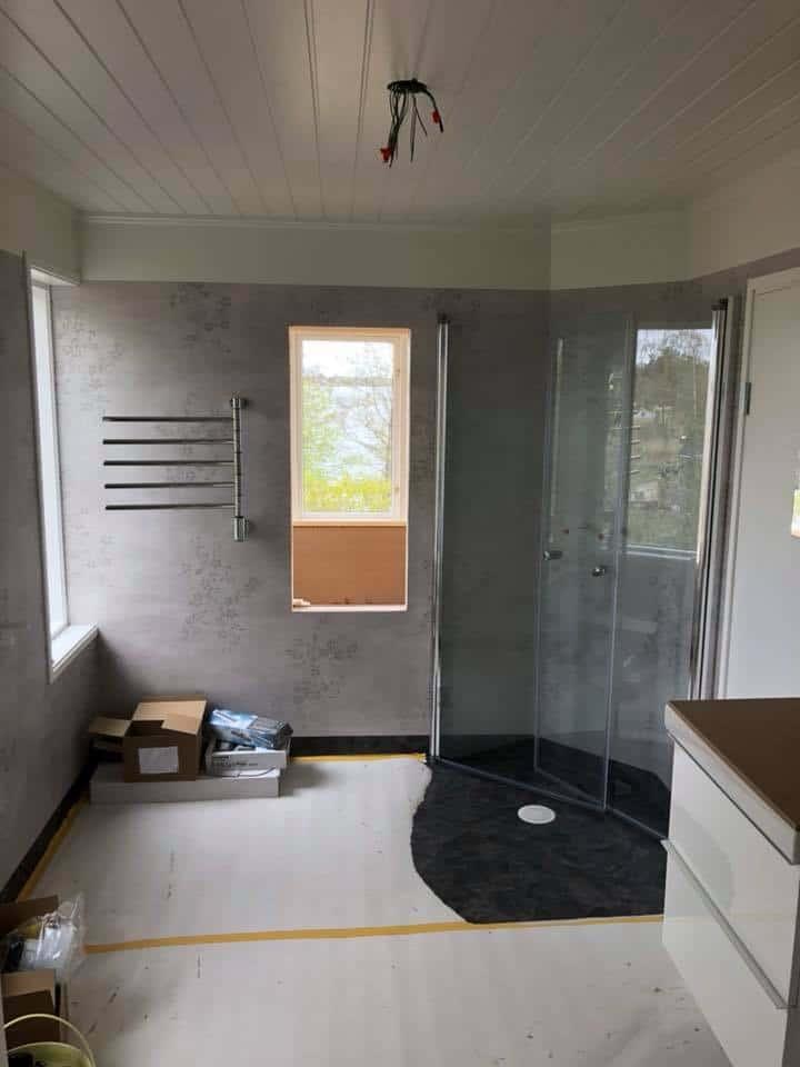 """Referensjobb """"Komplettering av badrum i sommarstuga"""" utfört av ATAC Entreprenad & Montage"""