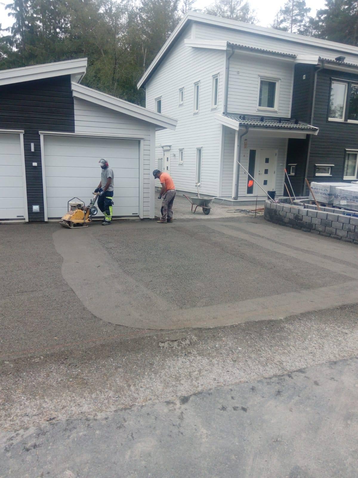 """Referensjobb """"Förberedande uppfart"""" utfört av Jordbro Miljö & Trädgård AB"""