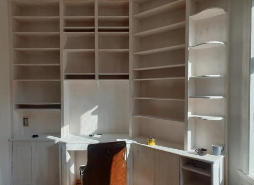 """Referensjobb """"Platsbyggd bokhylla"""" utfört av Nuvera"""