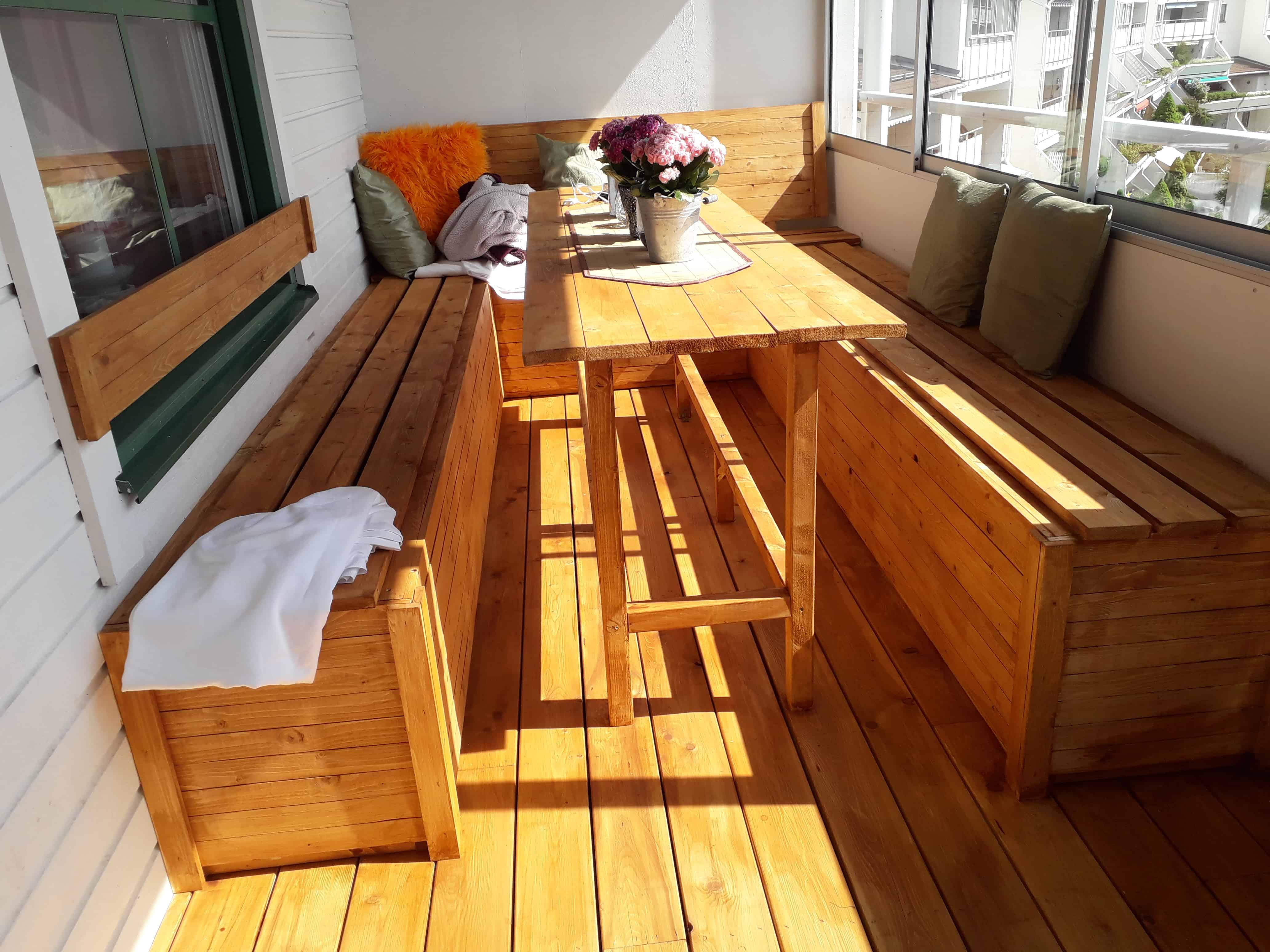 """Referensjobb """"Platsbyggt snickeri på balkong"""" utfört av Perfekt Renovering Stockholm"""