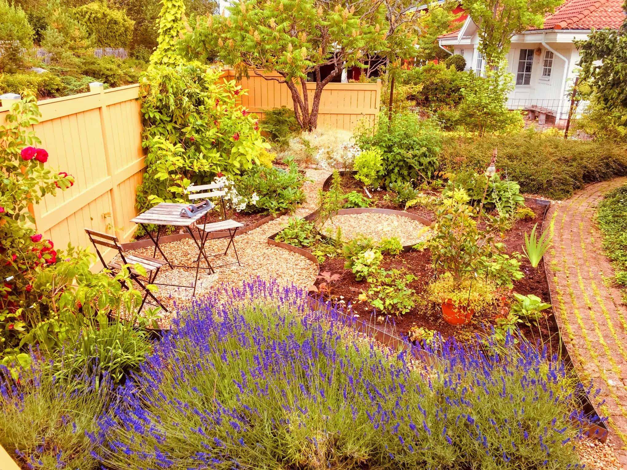 """Referensjobb """"Vacker trädgårds planering"""" utfört av G.P.Trädgård&Träd"""