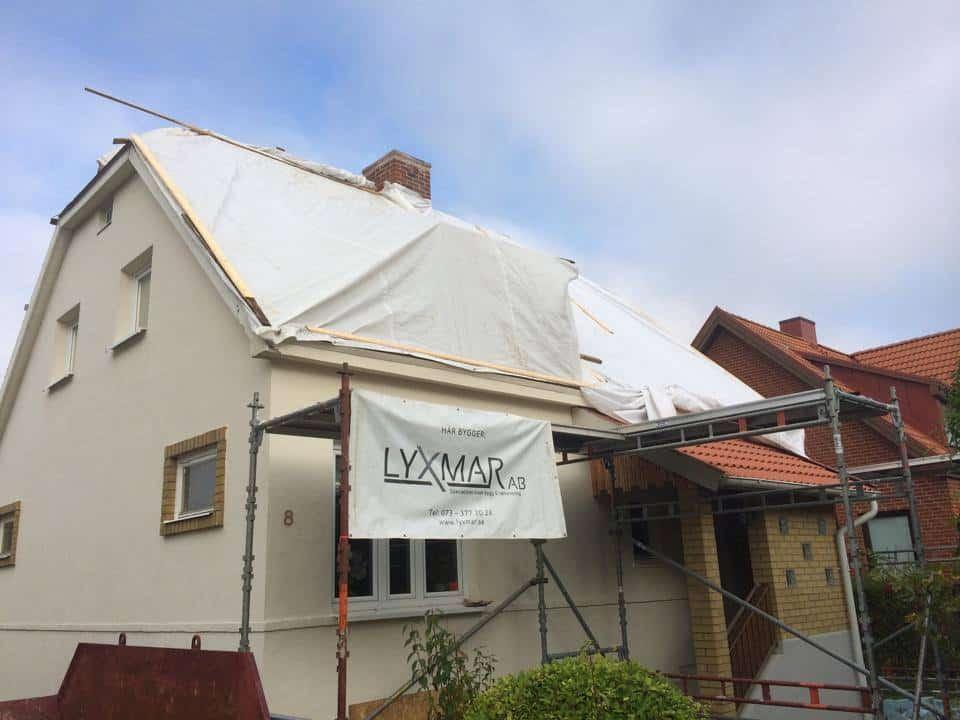 """Referensjobb """"Takomläggning inkl. renovering av takstolar"""" utfört av LYXMAR AB"""