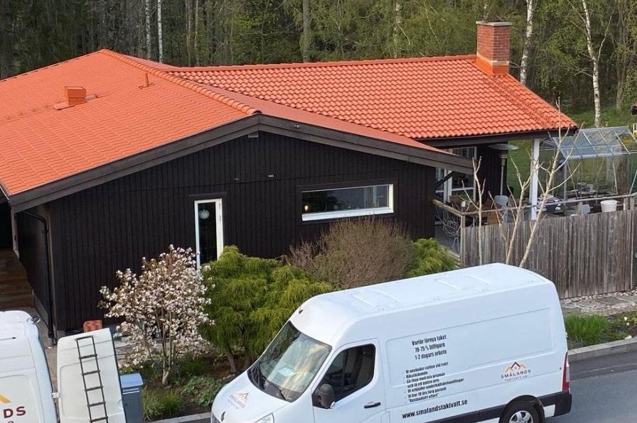 """Referensjobb """"Rött tegel tak i Habo"""" utfört av Smålands Taktvätt AB"""