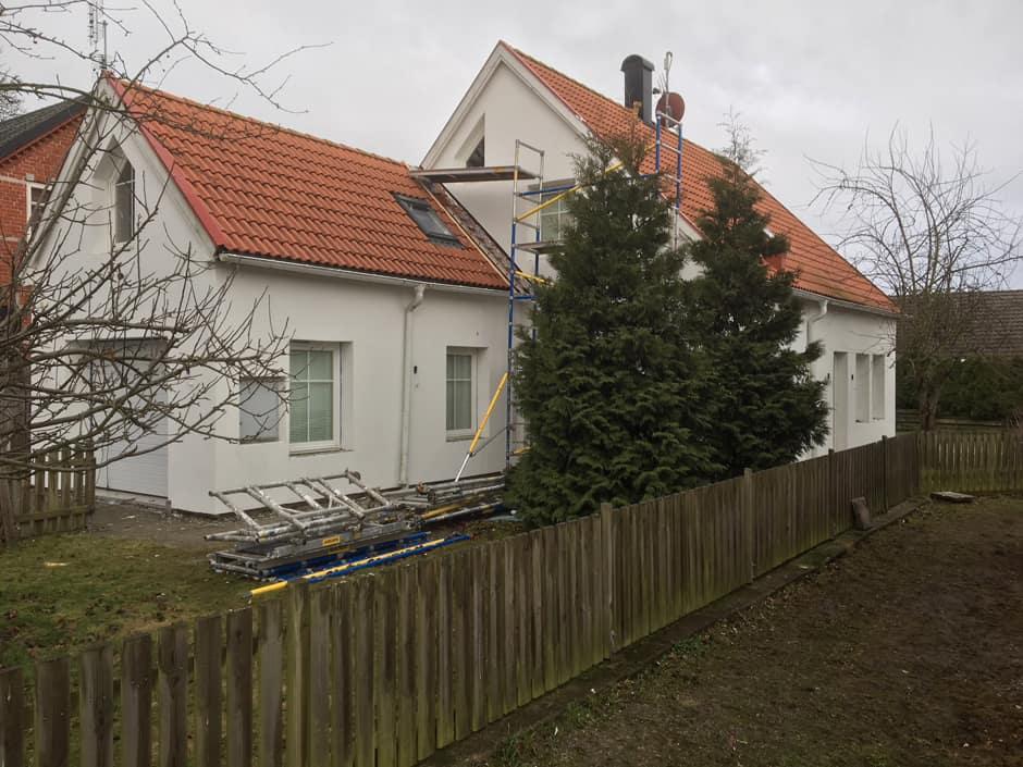 """Referensjobb """"Fasadrenovering , Takläggning."""" utfört av Michael Bygg & Måleriservice i Skåne AB"""