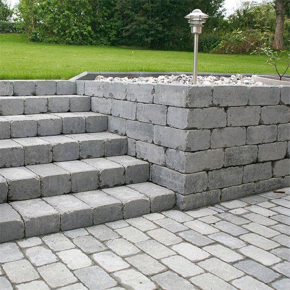 """Referensjobb """"Stenlagd trappa"""" utfört av Färdiga Rum Kommanditbolag"""