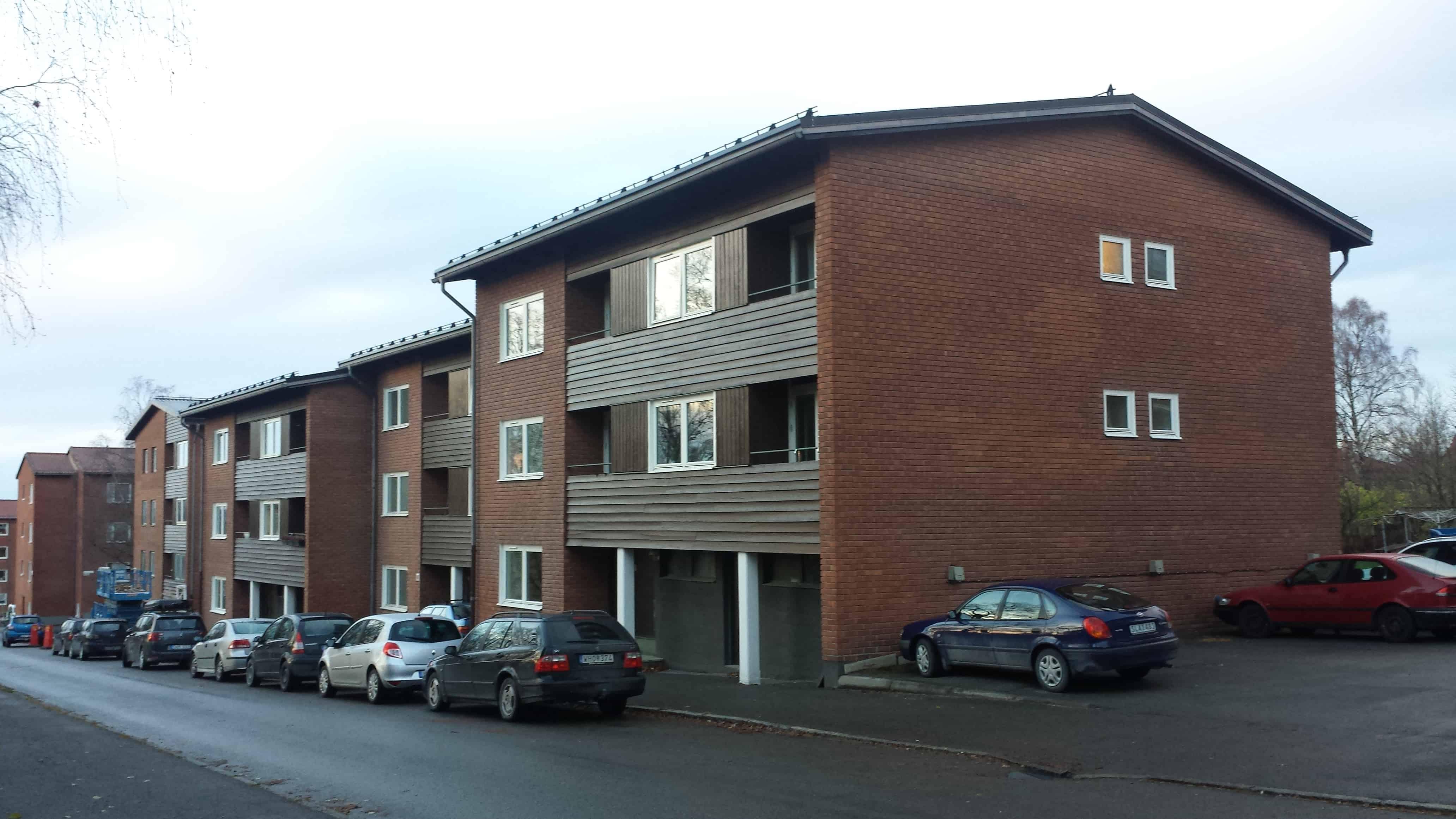 """Referensjobb """"Fönsterbyte flerbostadshus"""" utfört av FJÄLS Bygg AB"""