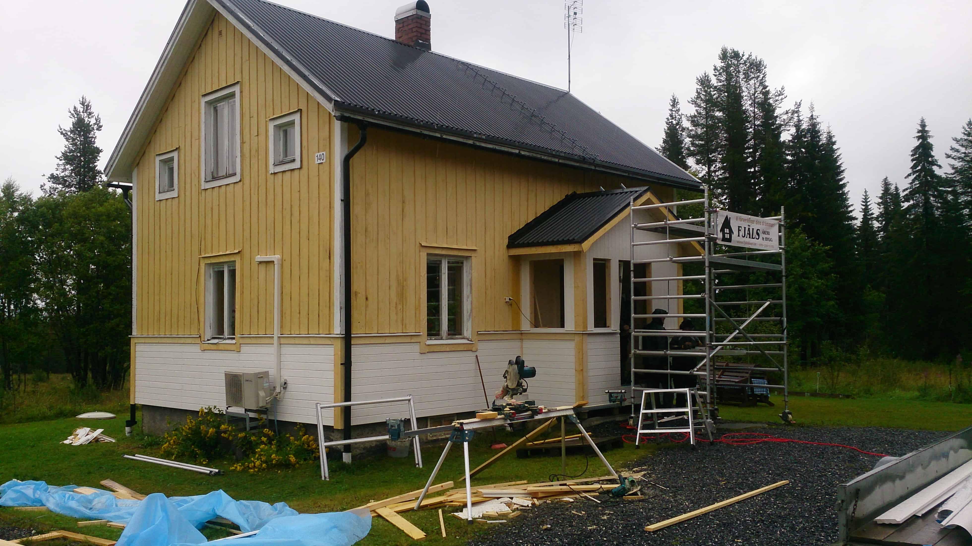 """Referensjobb """"Ny panel och ny farstukvist"""" utfört av FJÄLS Bygg AB"""