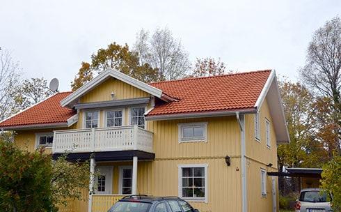 """Referensjobb """"TAKTVÄTT SOMMAREN 2014, LÄRKSTIGEN 4A SEGELTORP"""" utfört av AB Nymans Tak"""