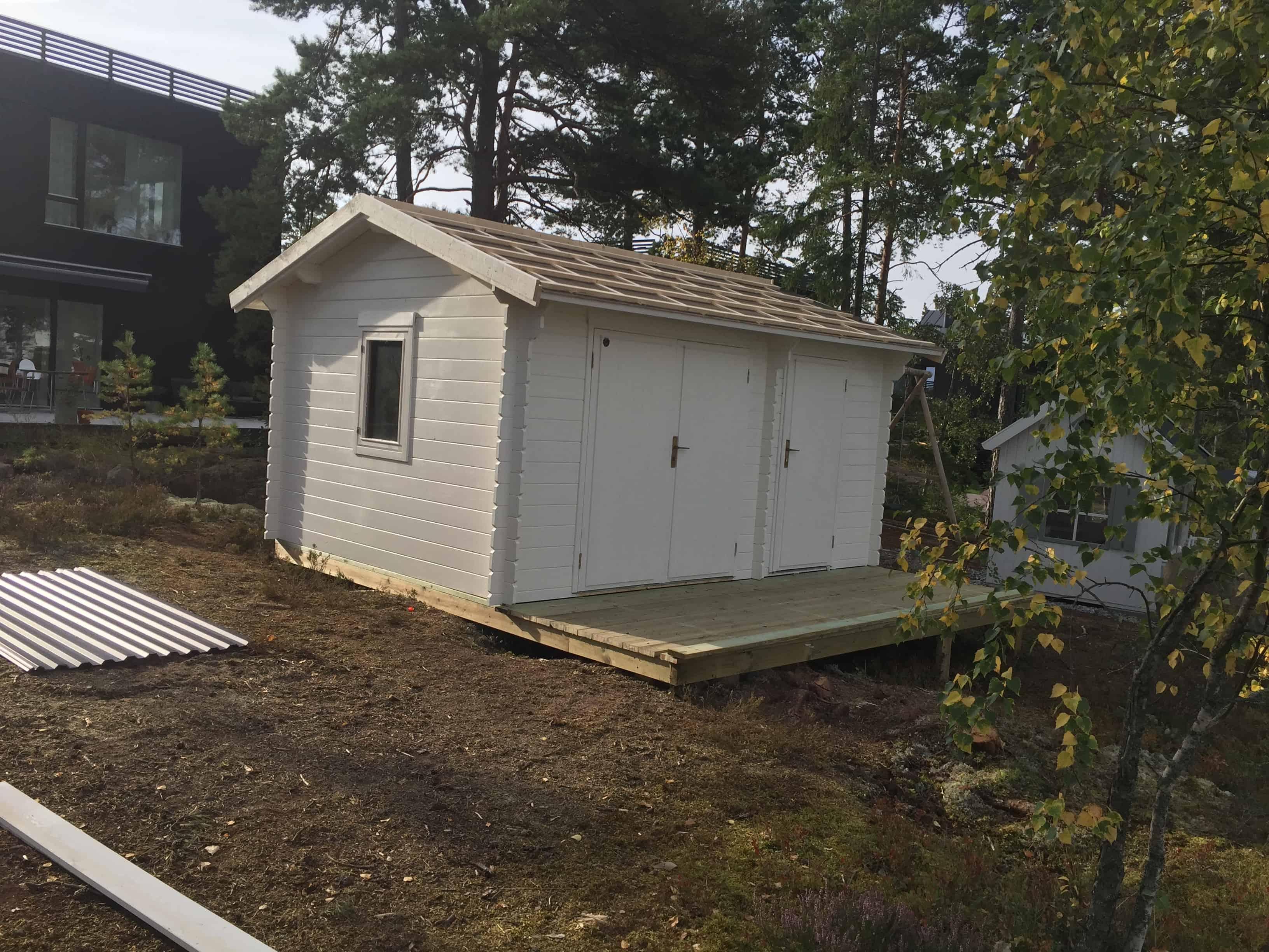 """Referensjobb """"Bygge av friggebod"""" utfört av INB Byggtjänster och städ Handelsbolag"""