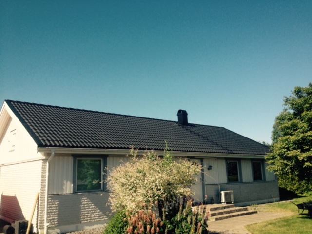 "Referensjobb ""Enplansvilla fick sig ett skönhetslyft! "" utfört av Leinar på taket AB"