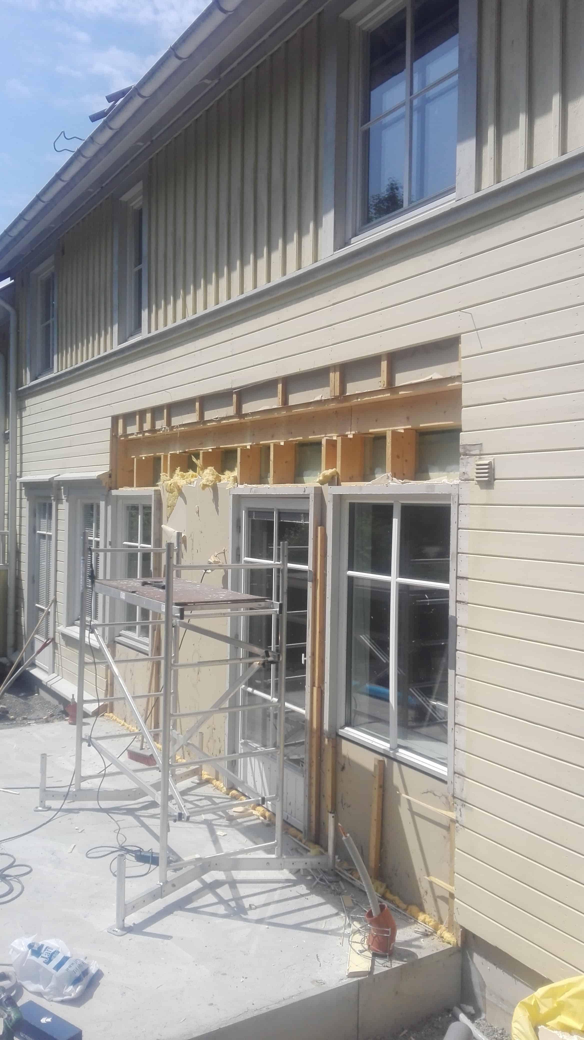 """Referensjobb """"Tillbyggnad av parhus i två plan i Kyrkbyn på Hisingen"""" utfört av Bygghus1 i Norden AB"""