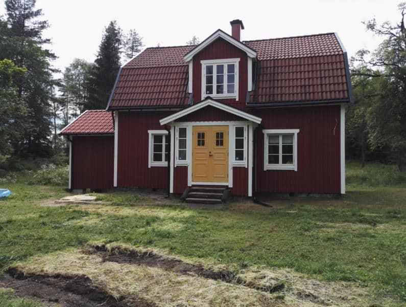 """Referensjobb """"Fritidsbolig - Fasadearbeider + tillbygg Arvika"""" utfört av Venjans Såg, Hyvleri och trävaruhandel"""