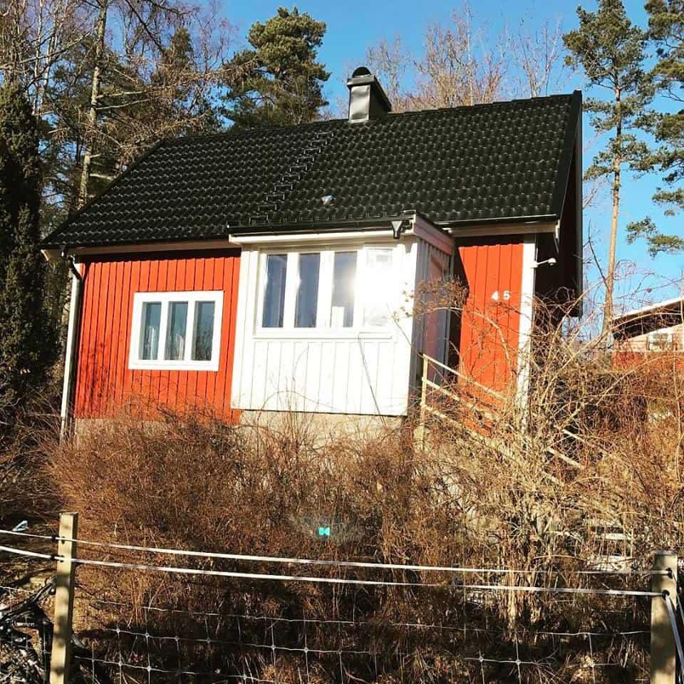 """Referensjobb """"Nytt tak och en ny veranda"""" utfört av Montage & Bygg i Furuboda AB"""