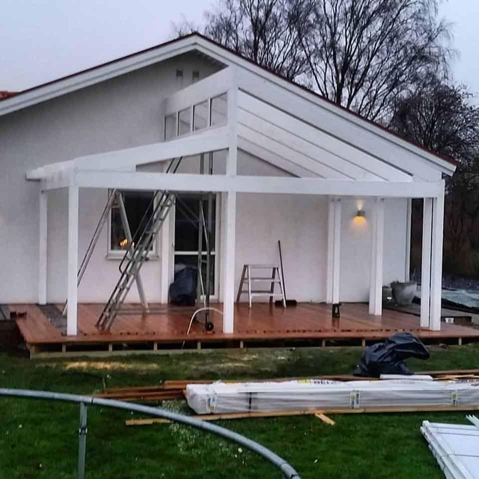 """Referensjobb """"Uterum och trädäck 2"""" utfört av Montage & Bygg i Furuboda AB"""