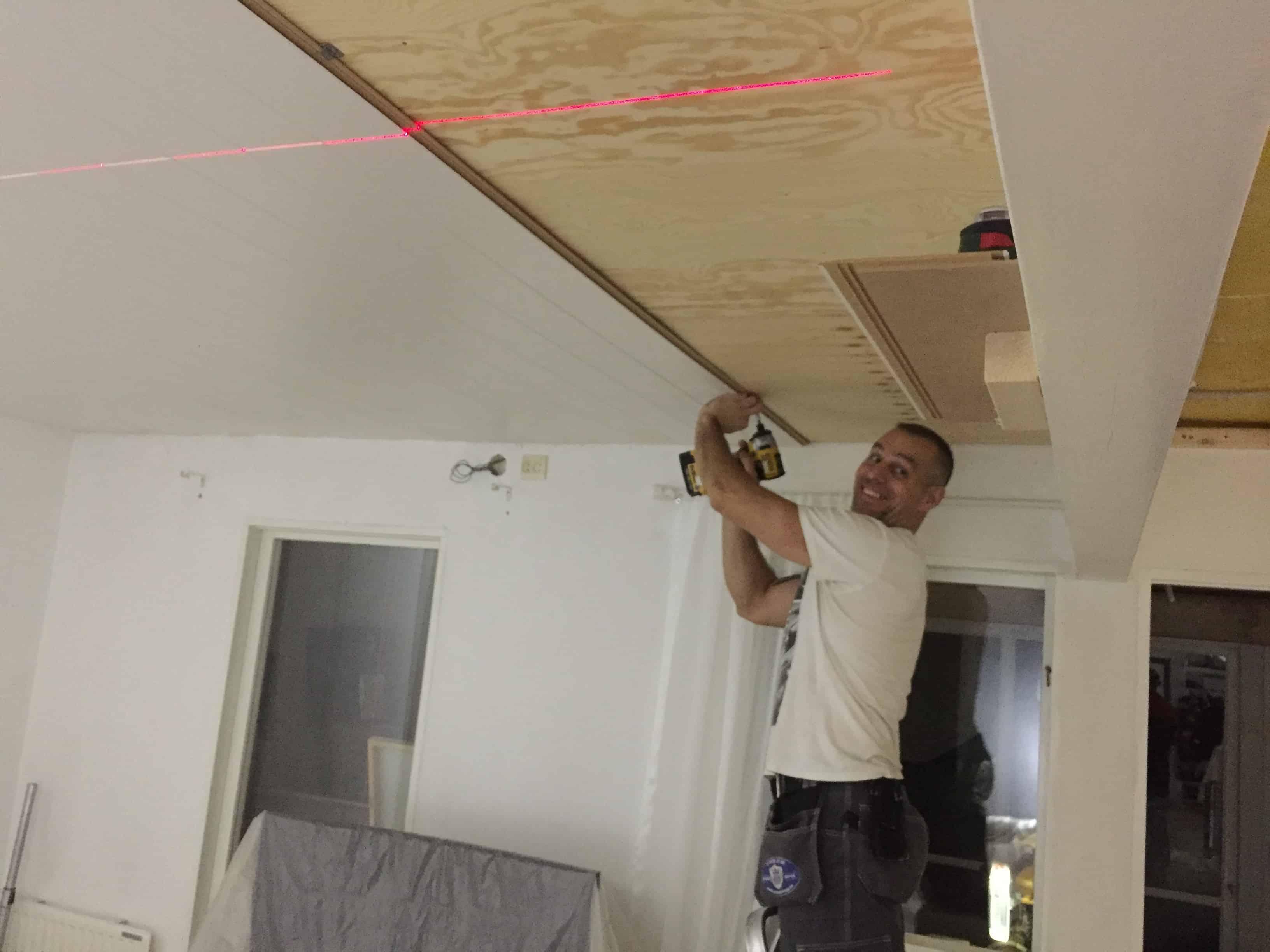 """Referensjobb """"Invändigt byte av tak inklusive belysning"""" utfört av ATANER BYGG"""