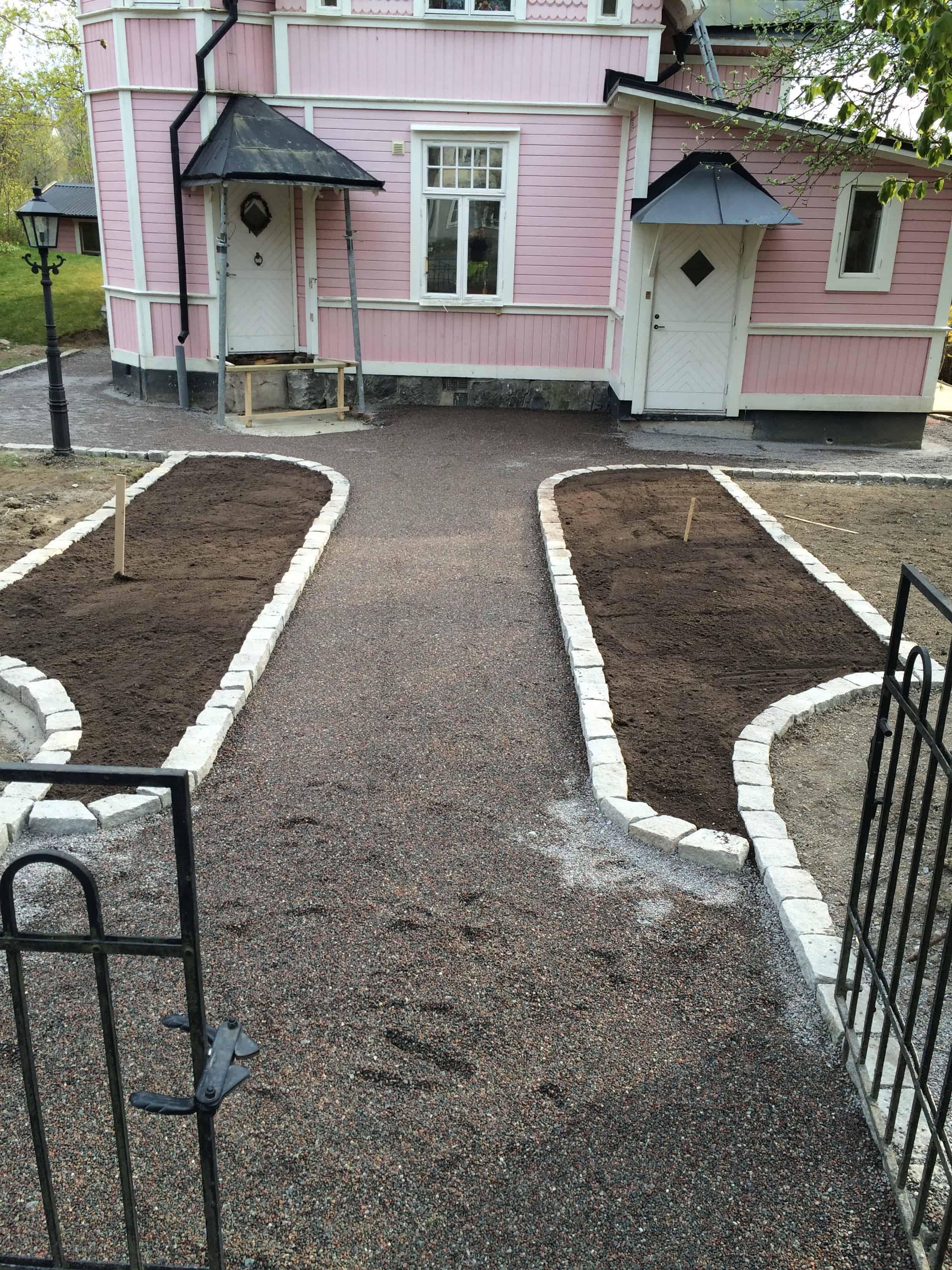 """Referensjobb """"Trädgårdsarbete i Spånga."""" utfört av Allgräv Sthlm AB"""
