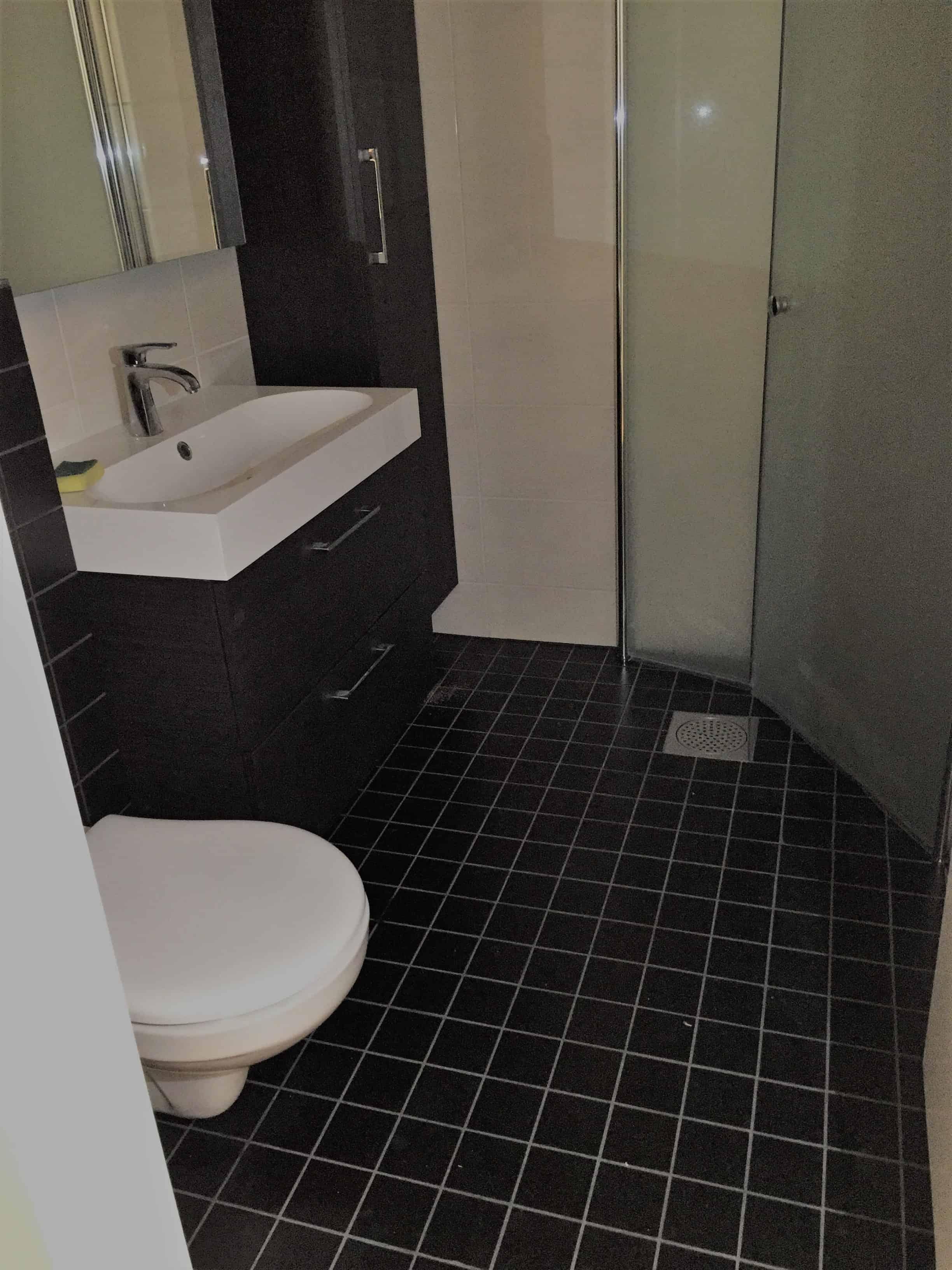 """Referensjobb """"Total lägenhet renovering, kök och badrum"""" utfört av JRS Hantverkarna AB"""