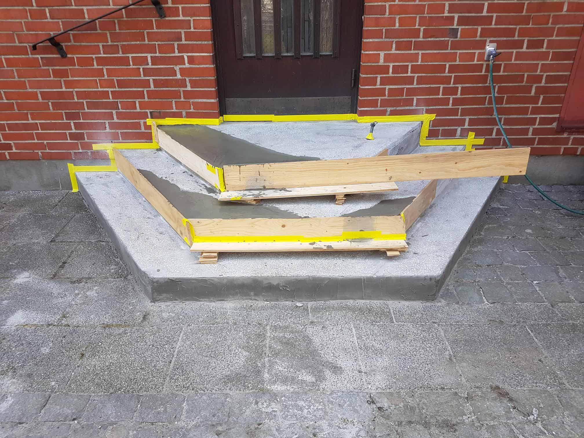 """Referensjobb """"Renovering av betong trappa i Sjöbo."""" utfört av JO BETONGTÄTNING AB"""
