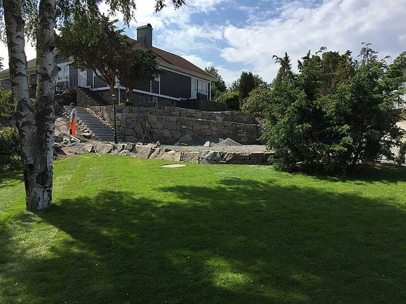 """Referensjobb """"Mark- och murarbete i Billdal"""" utfört av Veddige Mark & Anläggning (FH Kranservice AB)"""