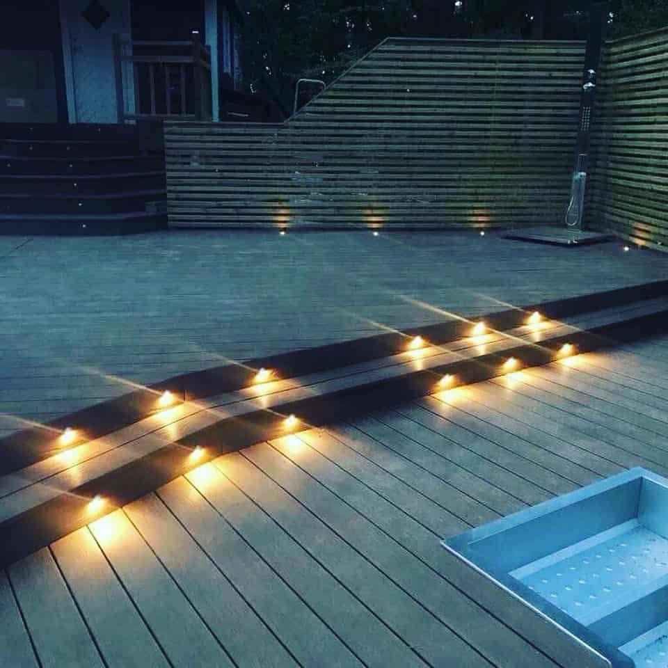 """Referensjobb """"Inbyggd belysning altan """" utfört av Evangelos Hantverksföretag"""