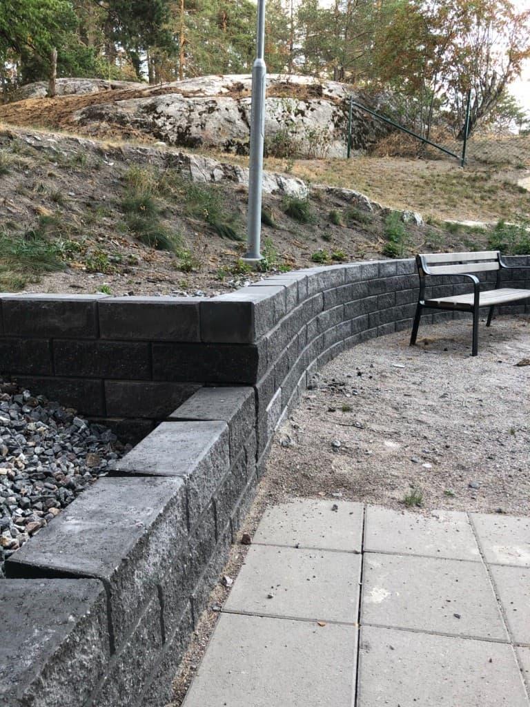 """Referensjobb """"Stödmur"""" utfört av RKS Mark & Trädgård AB"""