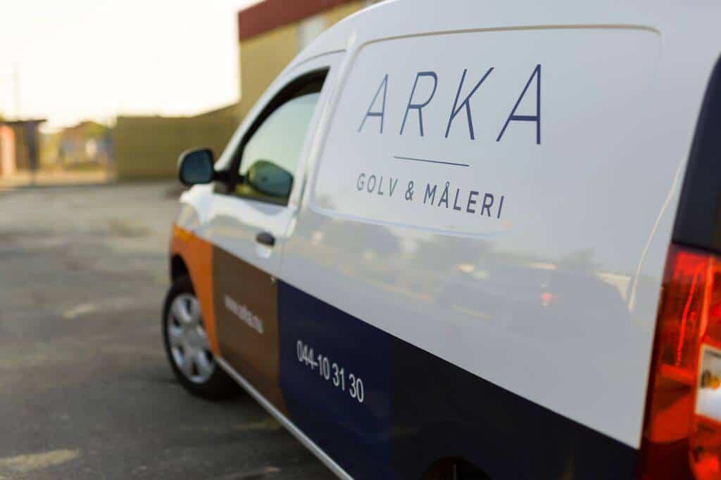 """Referensjobb """"En av våra snygga bilar som rullar!!"""" utfört av Arka Golv & Måleri AB"""